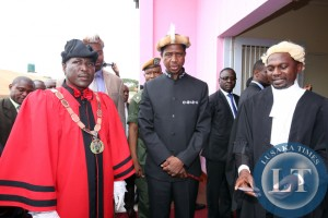 Chipata Mayor Mr Jealous Phiri with President Edgar Lungu Honourary Freeman of the Chipata and Chipata Town Clerk Mr Davies Musenge on Friday 27-02-2015. PICTURE .BY EDDIE MWANALEZA/STATEHOUSE.