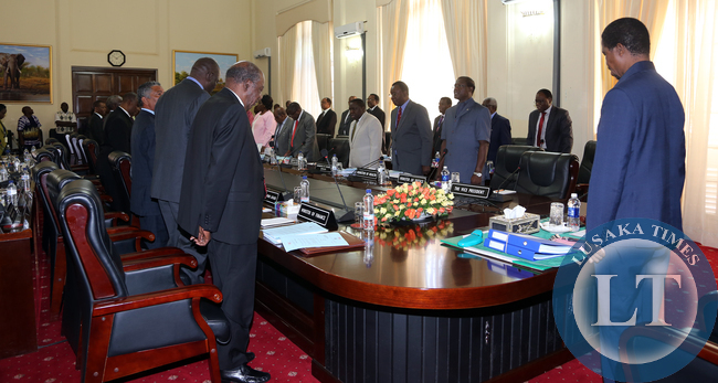 President with Cabinet Ministers in a Prayer