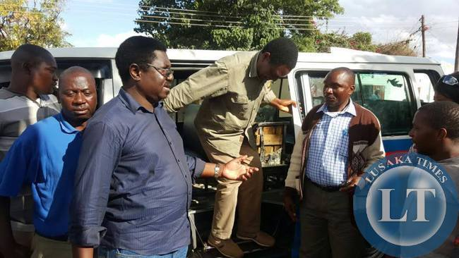 UPND president Hakainde Hichilema disembarks from a bus at Chazanga bus stop