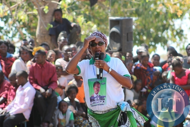 PF Deputy Secretary General Mumbi Phiri addressingt the public of Mano Ward in Bangweulu Constituency in Samfya District at Kasoma Banweulu Primary School during campaign the rall