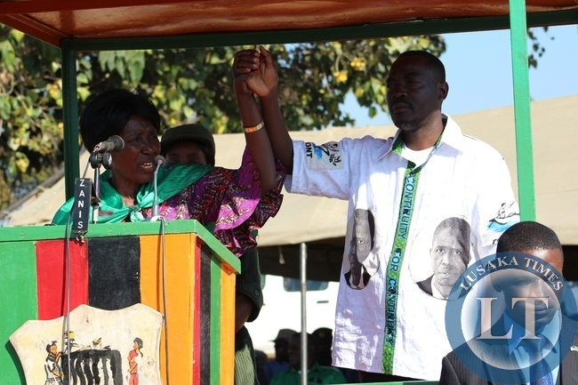Vice President Inonge Wina Showing PF candidate Anthony Kasandwe to the people of Katanshya Ward in Bangweulu Constituency in Samfya during the campaign rally