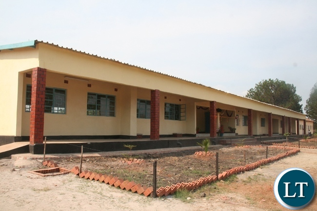 Lumwana mining company has constructed a modern 1 x 3 science laboratory at Mutanda secondary school at a total cost of K1milion. Above, the newly constructed laboratory during the handover ceremony