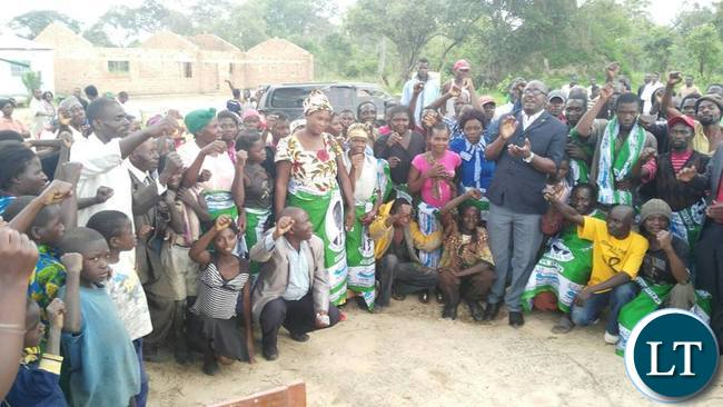 Dawson Kafwaya with PF members after addressing a party  meeting in Solwezi on Sunday
