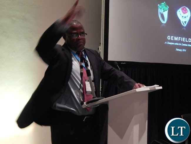 Minister Yaluma making his presentation at the Country Case Study on Zambia session at the 2016 Mining Conference in Cape Town on 10th February.
