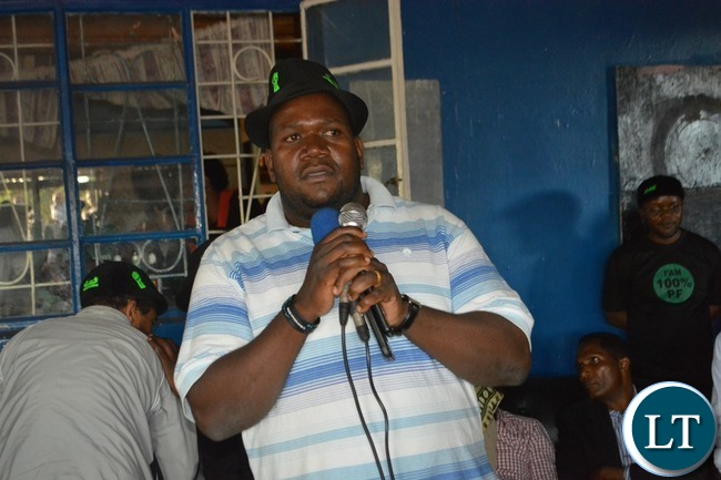 Suspended UPND Musiotunya ward Councillor Ziwa Ziwa addressing the crowd after defecting to the ruling PF during the launch of the District Mobilisation Campaign in Livingstone on