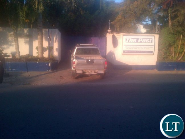 Entrance to the Post Newspapers shut by ZRA officers