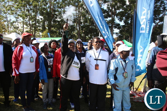 Zambia 1st lady Esther Lungu flagging off the race.