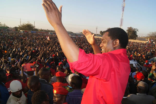 File:UPND leader Halainde Hichilema addresses Bauleni residents