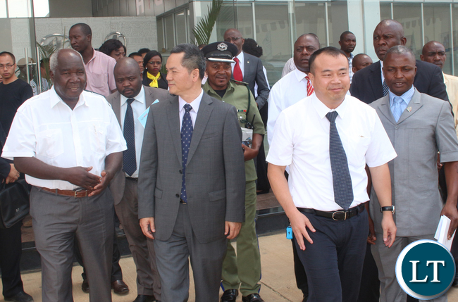 from left to right: RDA board member Panji Kaunda, a bit behind Minister of Sport , Youth and Child Development Director Kennedy Mukupa, Guest of Honour Chinese embassy counsellor Out Yang Bing, Higer Buses Zambia LTd General Manager Wu Ming and Public private drivers association President Josiah Majuru,