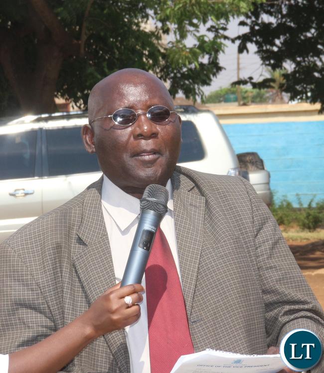 Minister of General Education Dr Dennis Wachinga speakingat the commemoration event of late husband Arthur Wina