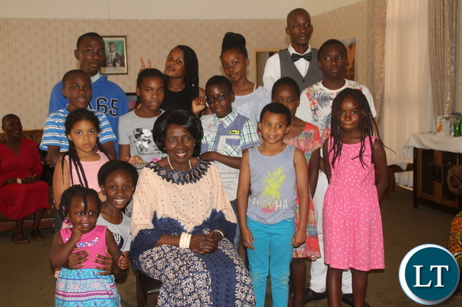 Vice President with Kids. Some of the Kids in the Picture are her grandchildren
