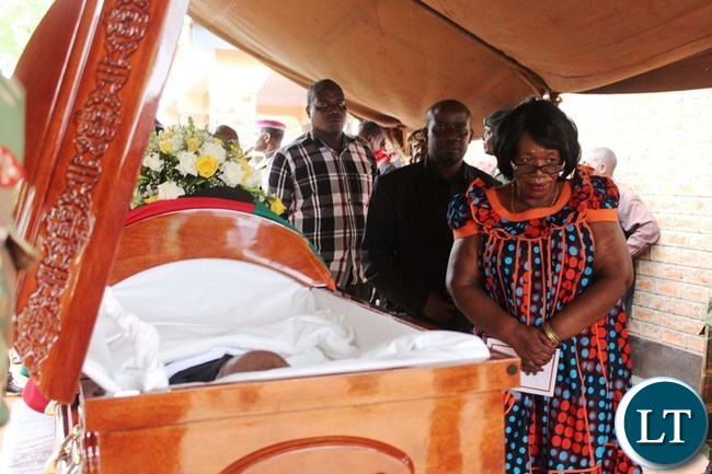 EDUCATION Minister, Professor Nkandu Luo, pays her last respect to the late former National Assembly Deputy Speaker, Mkhondo Lungu, at his Kachule farm in Lundaz