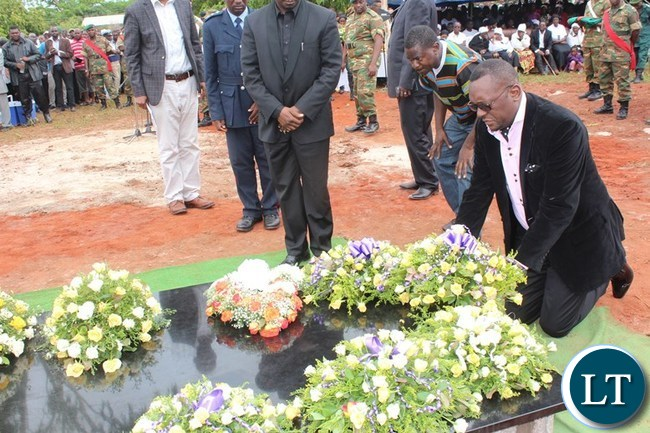 UPND Mazabuka MP, Garry Nkombo, lays a wreath at the grave of Mkhondo Lungu in Lundaz