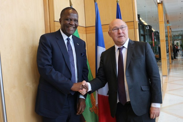 Zambia´s Finance Minister Felix Mutati and France´s Minister of Finance, Michel Sapin, at the Ministry of Finance  - Paris - France.