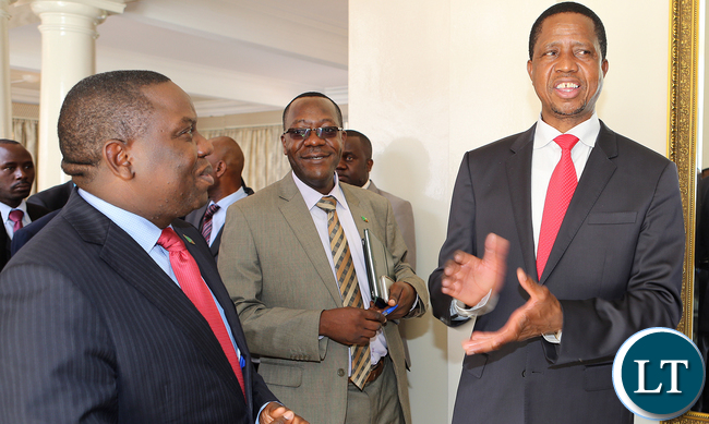 Kaizer Zulu (c) with President Lungu and Harry Kalaba at Statehouse
