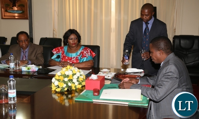 President Edgar Lungu addresses Minister of Agriculture Dora Siliya and her Permanent Secretary Julius Shawa during the presentation of the 2016 Quarterly Report from Ministry of Agriculture at State House