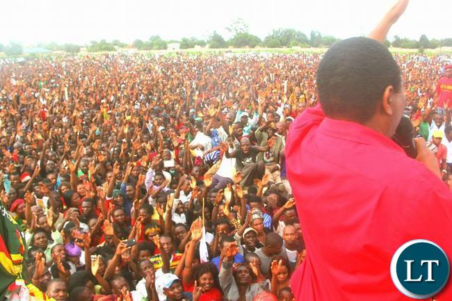 HH waves to the supporters in Solwezi
