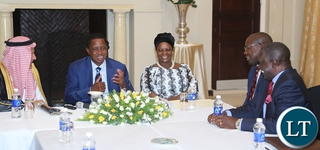 President Edgar Lungu flanked with First Lady Esther Lungu and Minister of Health Chitalu Chilufya confers with delegation leader from Saudi Arabia Eng: Yousef Ibrahim Al Abdulrahman Al Bassam (l) and Ambassador to the Kingdom of Saudi Arabia, Ibrahim Mumba (r) when the Saudi Arabia term called on the first lady at State House