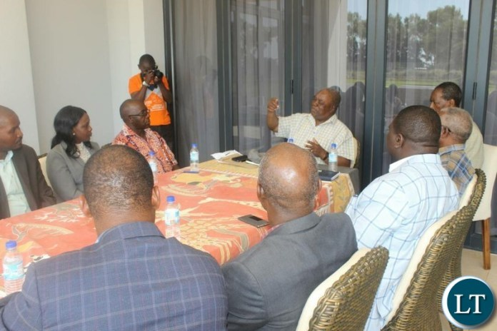 Former President Rupiah Banda meeting with ZCID team