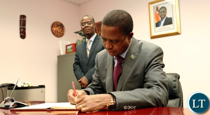 EDGAR LUNGU SIGNS VISITORS BOOK AT ZAMBIAN MISSION IN NEW YORK