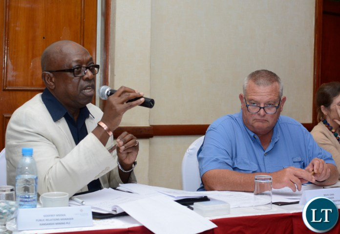 KANSANSHI Mining Plc public relations manager Godfrey Msiska makes a contributions during First Quantum Minerals' information-sharing sessions in Lusaka as corporate social responsibility manager Bruce Lewis looks on. – Picture by Andrew-Knox Kaniki/SUMA SYSTEMS.