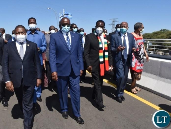 Heads of states touring the Kazungula bridge