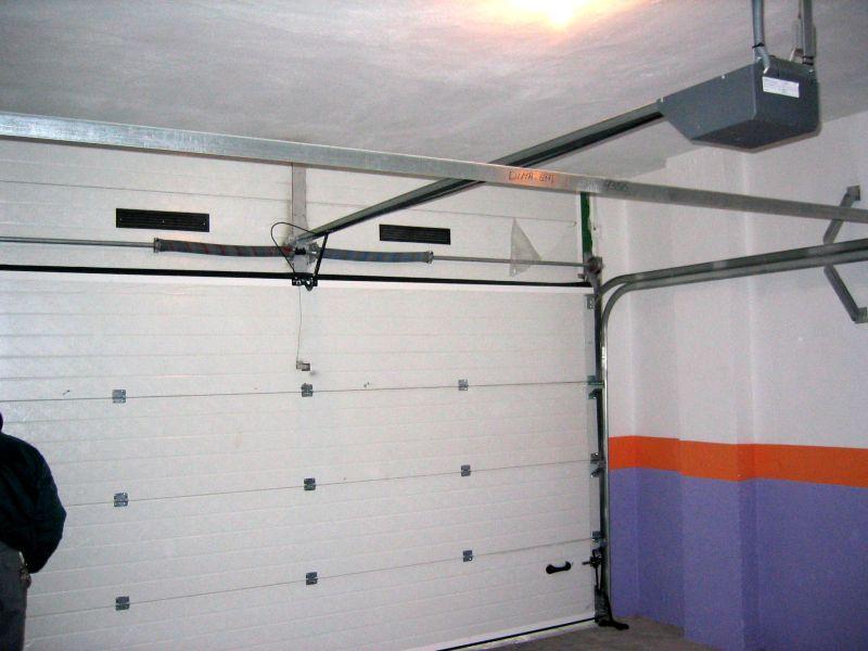 Puertas seccionales lusan automatismos for Motor puerta seccional