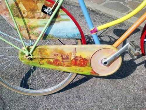 Colorful Decorating Ideas for Bike Frames  Crafts for Kids and Adults Colorful painting ideas for bikes