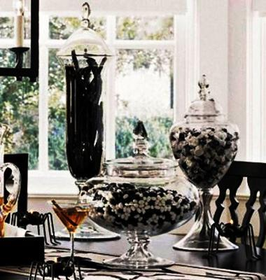 25 Black White Decorating Ideas And Halloween Party Table