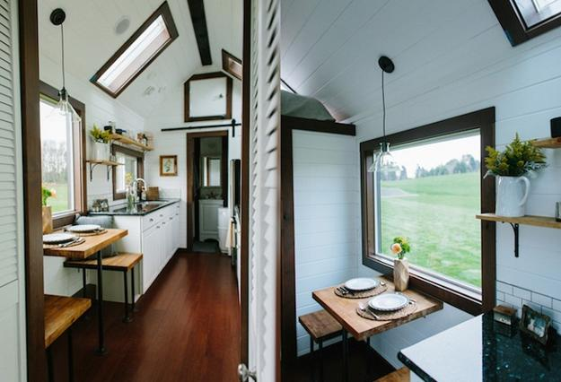 Cozy Small House Design on Wheels, Beautiful Homes
