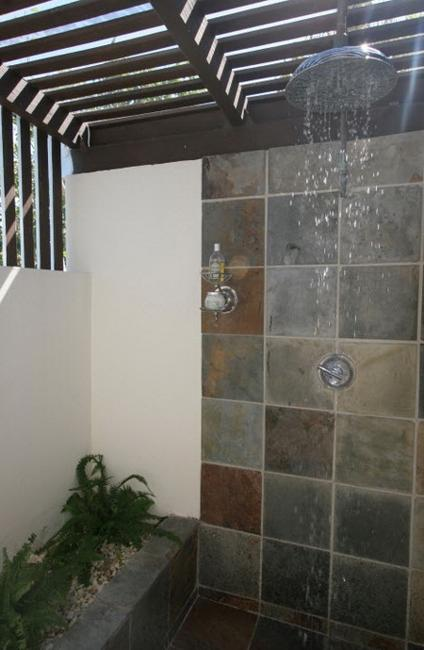30 Outdoor Shower Design Ideas Showing Beautiful Tiled And
