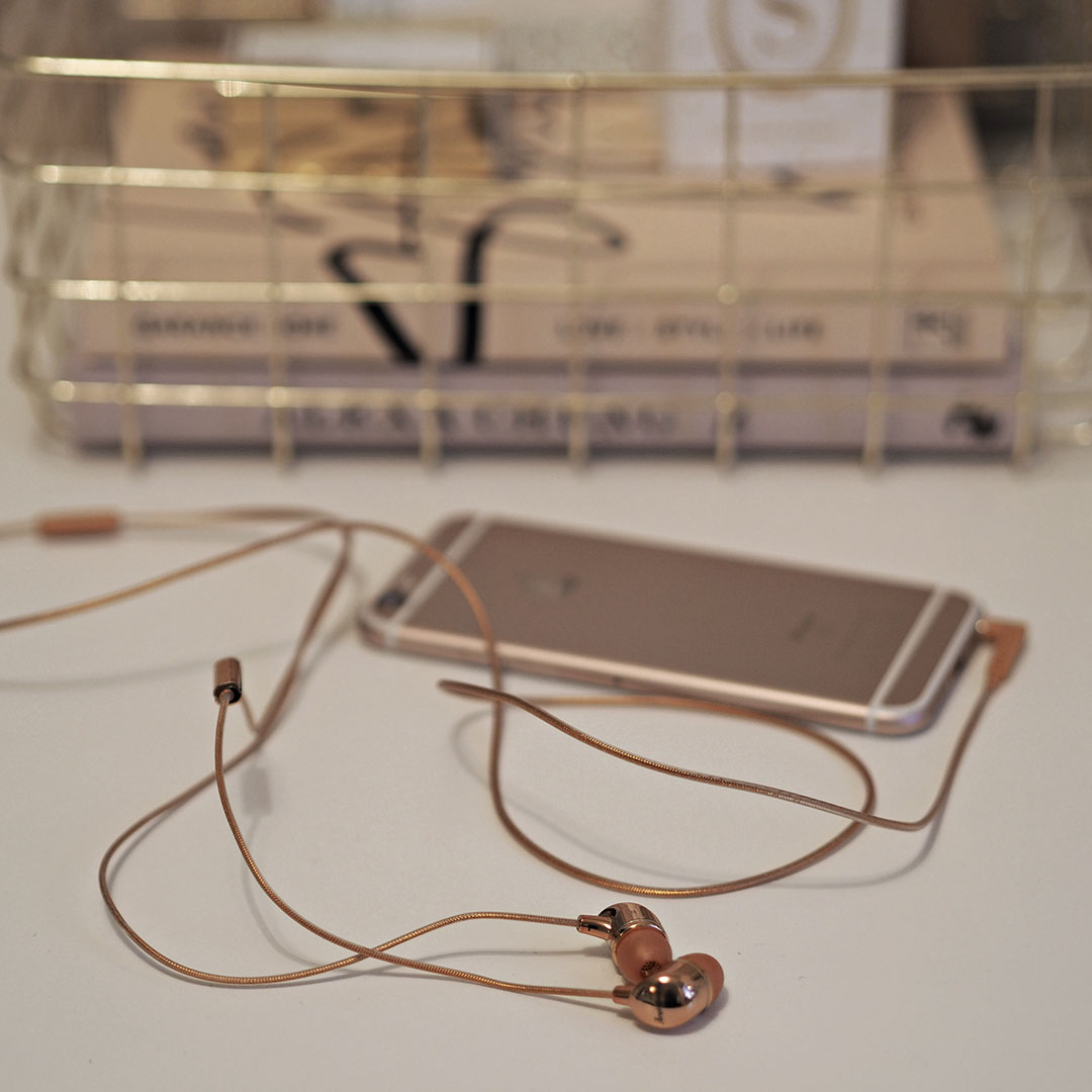 happy plugs rose gold in-ear headphones