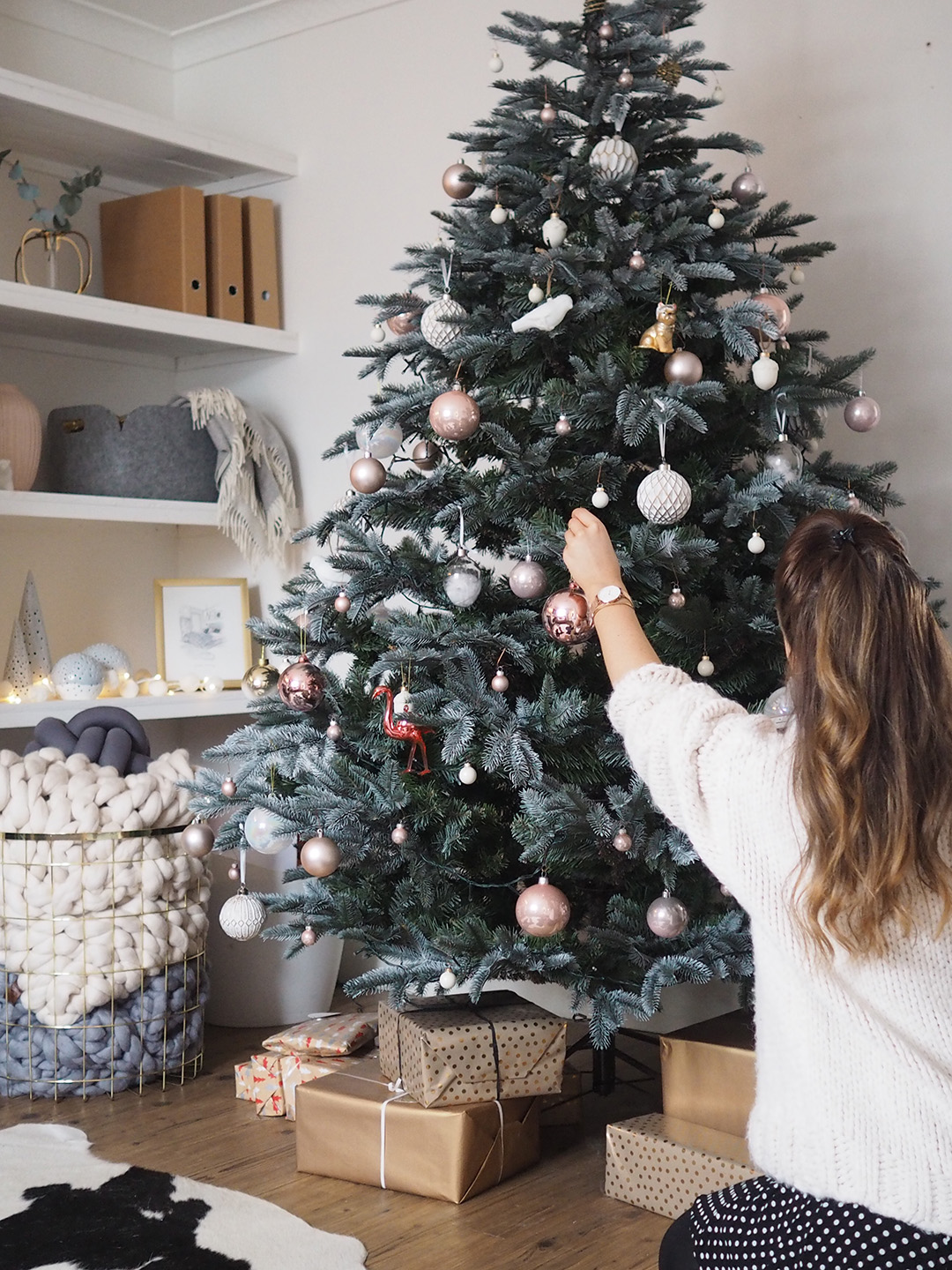 Scandinavian Christmas Styling