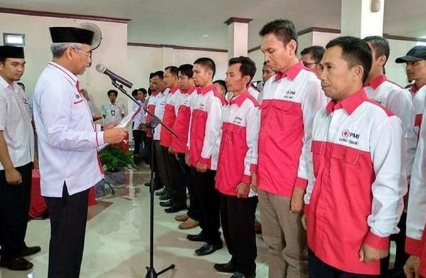 Husler Lantik Pengurus PMI Luwu Timur