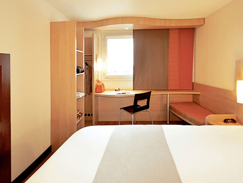 Ibis Luton Airport Hotel With Parking Deals Ibis Luton With