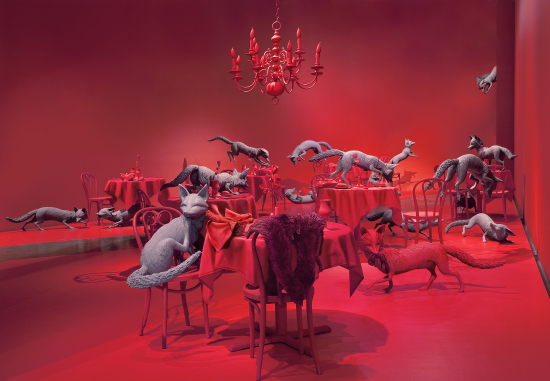 Sandy Skoglund, The Grey Foxes, 2008, Courtesy of Paci contemporary (Brescia, IT)