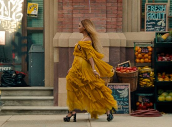Un fotogramma dal video di Lemonade