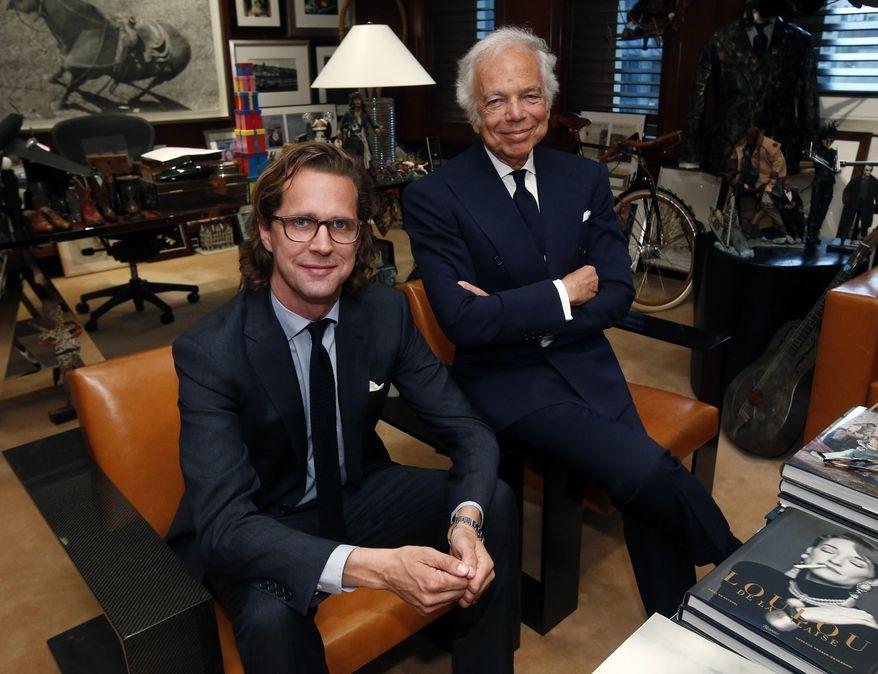 Ralph Lauren dans son bureau le 29 septembre en compagnie de Stefan Larsson, son successeur.
