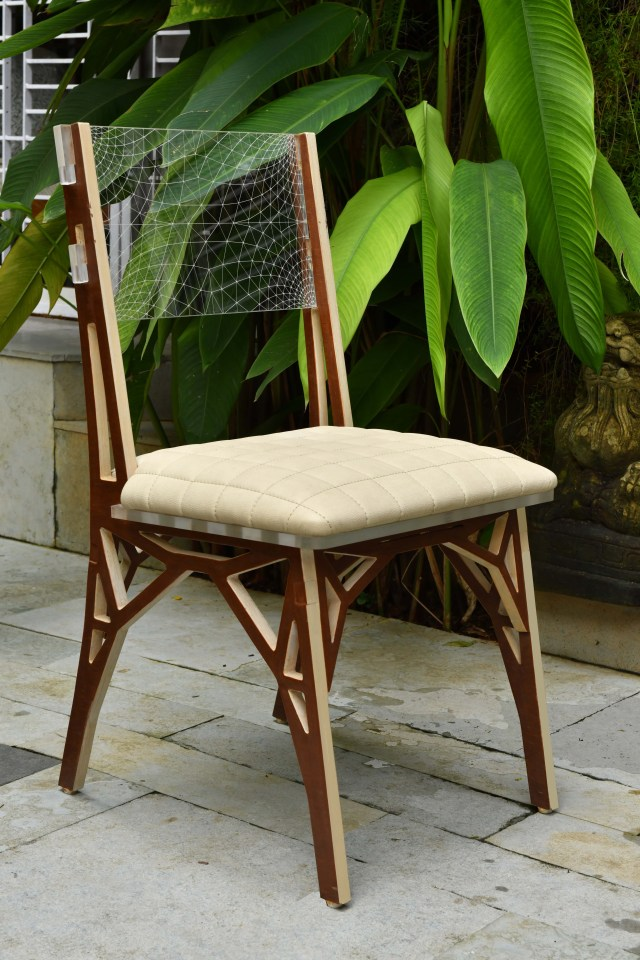 Tesla-inspired AL Truss chair
