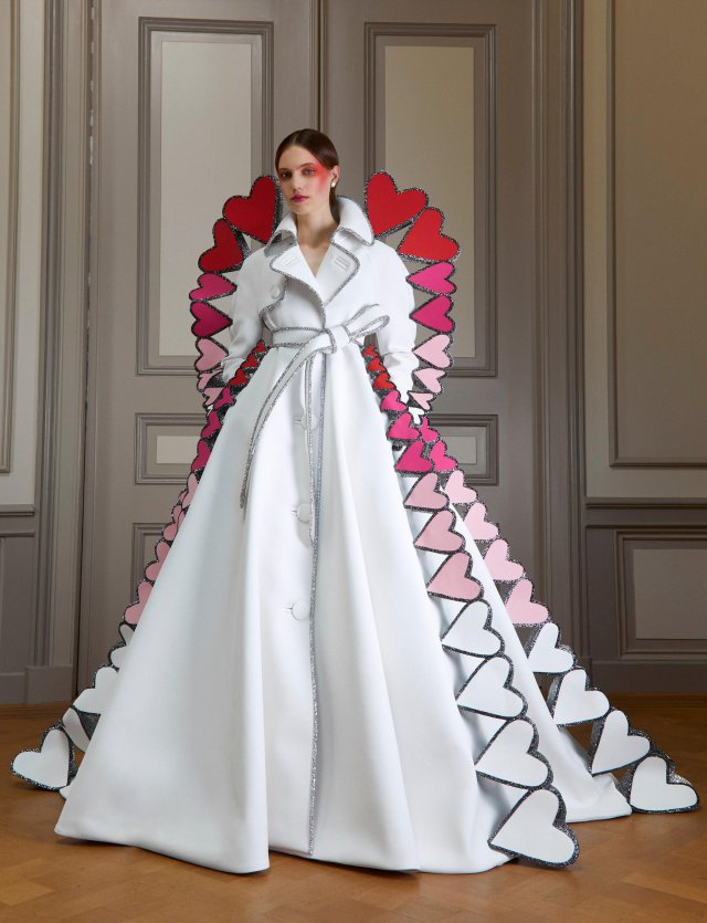 VIKTOR&ROLF HAUTE COUTURE AW20 CHANGE
