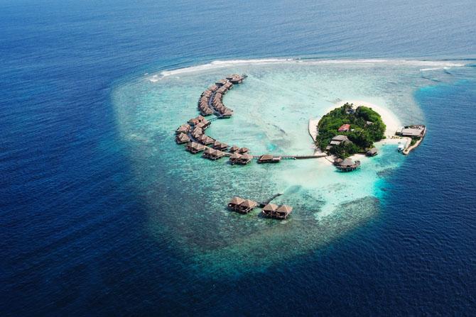 10 Picture Perfect Islands Across the Globe Maldives