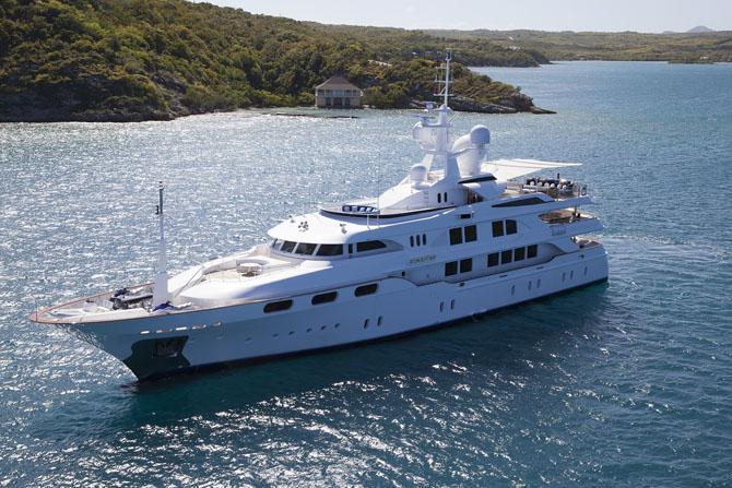 Charter a Superyacht for a Honeymoon 1