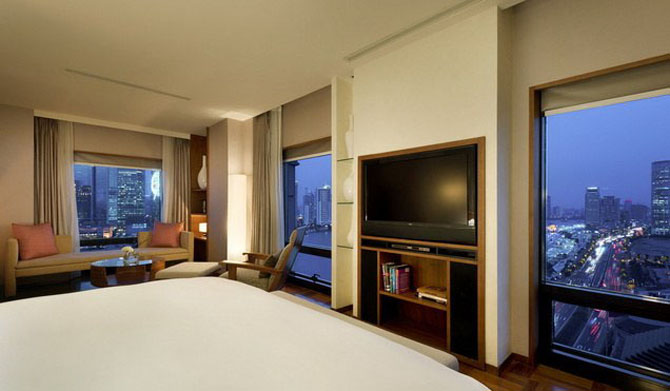 Five Luxury Hotels in Shanghai Les Suites Orient Bund Shanghai 1