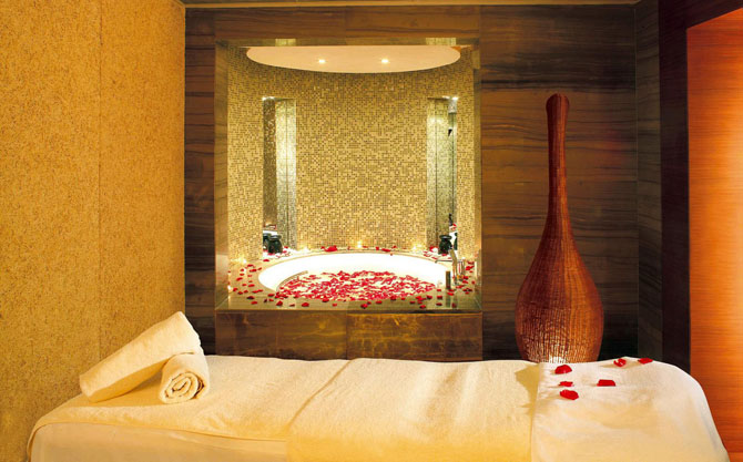 Five Luxury Hotels in Shanghai Swissotel Grand Shanghai 2
