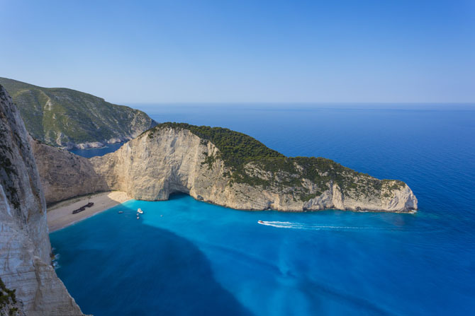 Five of the Best Luxury Resorts in Greece 1