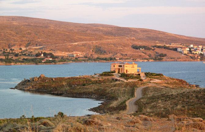 Five of the Best Luxury Resorts in Greece Villa Faros 1
