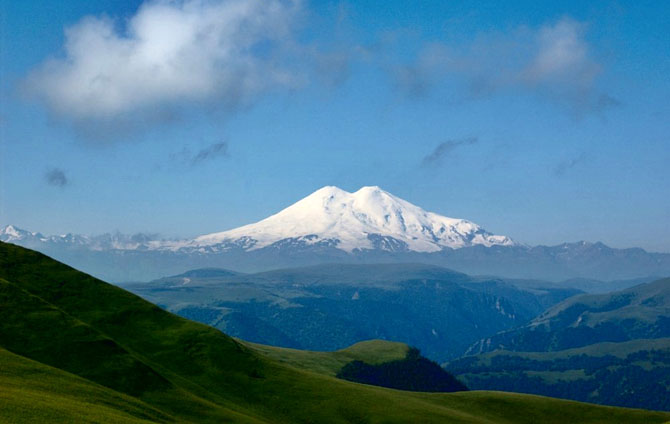 Top 10 Mountains to Hike in the World Mount Elbrus Russia