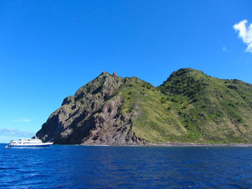 Mighty-Peaks-and-Black-Sands-on-Saba-Island-2