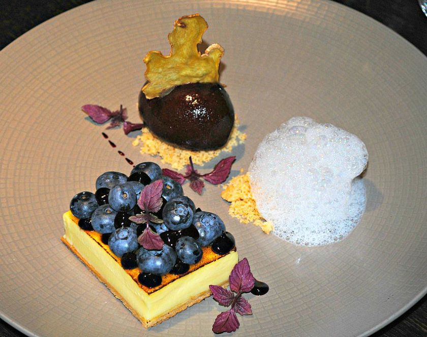 Desserts at Hakkasan New York3