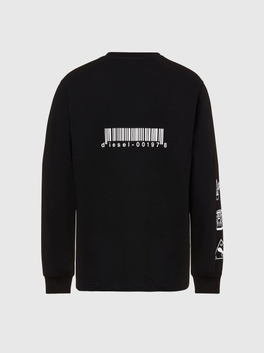This long-sleeved T-shirt is made from cotton jersey in a regular fit. 3D-style lettering adorns the back and sleeves, whilst the chest sports a printed geometric graphic accompanied by the DSL logo.